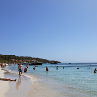 picture of the beach in westend roatan honduras