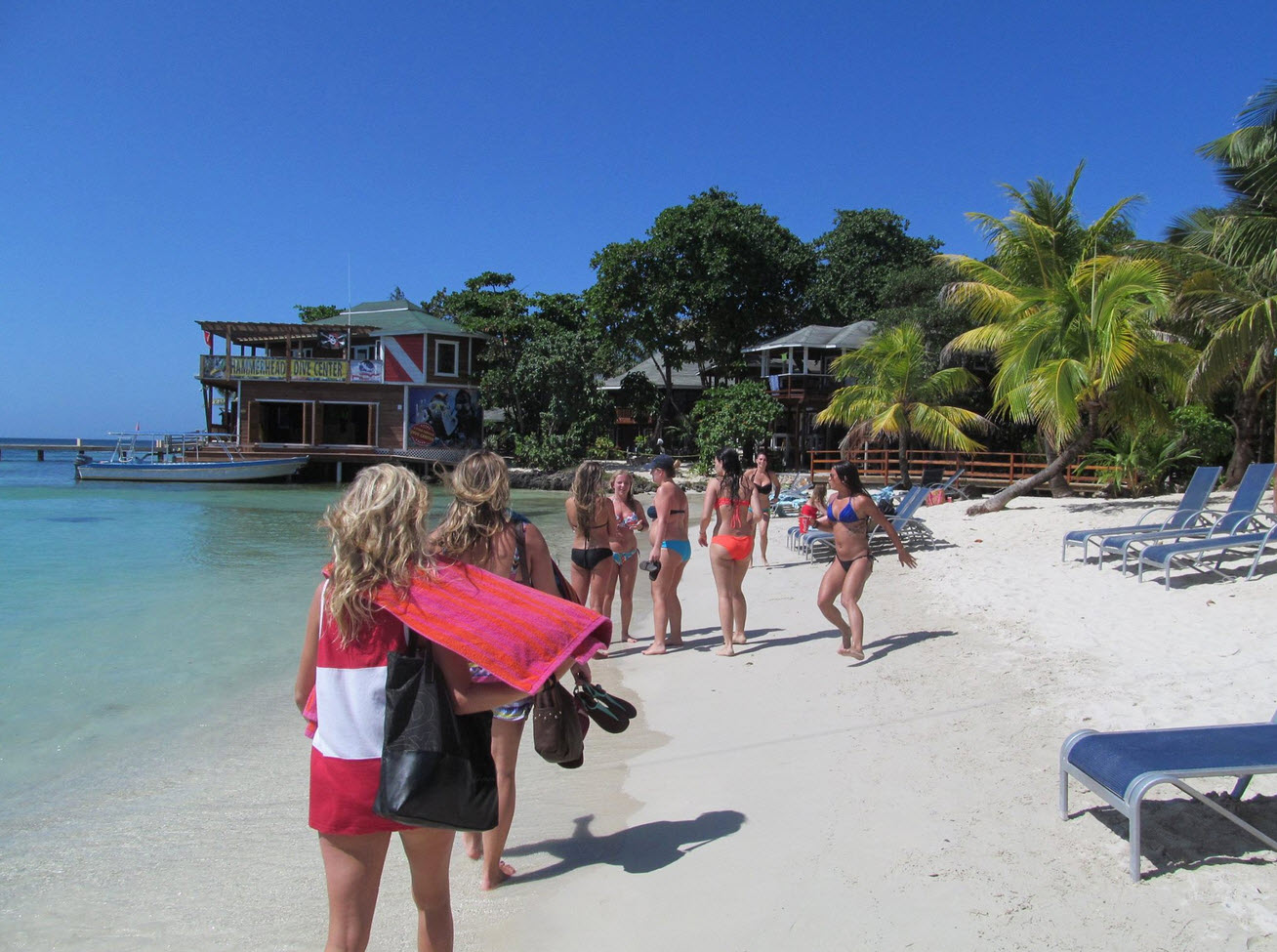 Are you thinking about retiring in Roatan Honduras?